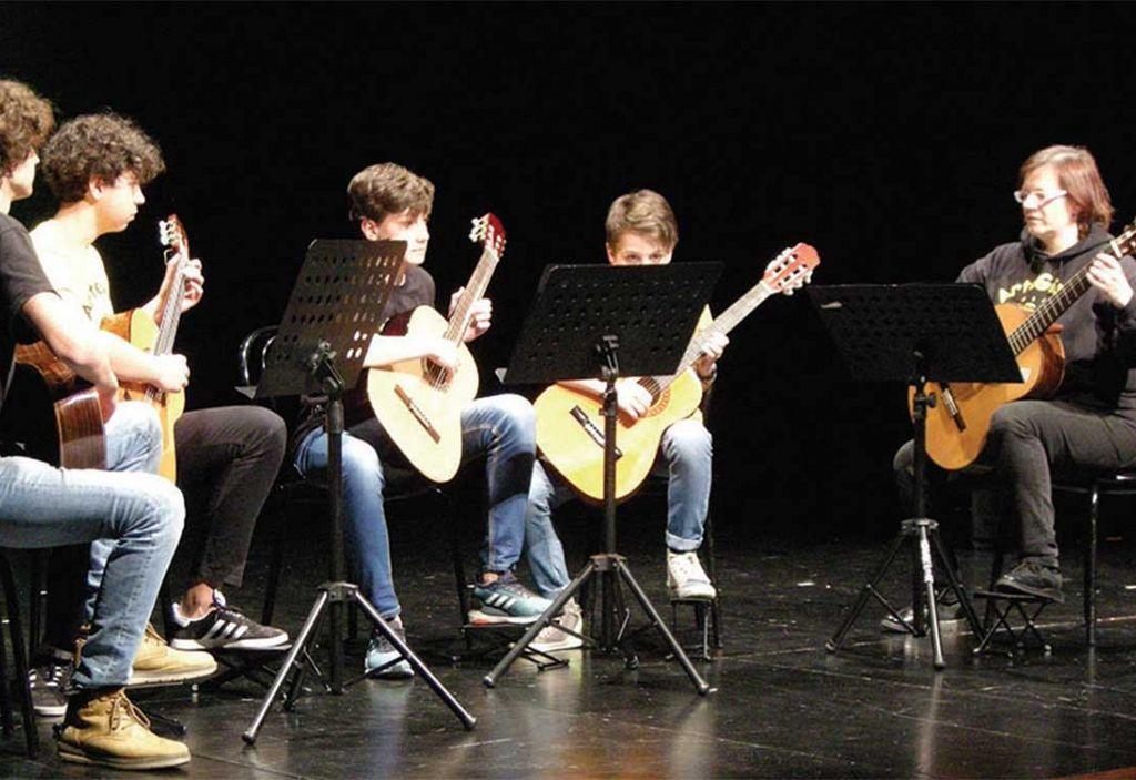 Pomlad je zazvenela izpod prstov mladih glasbenikov