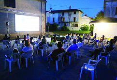 Filmi pod zvezdami, priložnost za srečanje