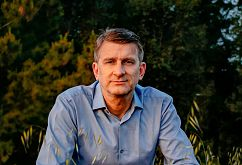 Prestižno nagrado je prejel slovenski fizik in kozmolog Uroš Seljak