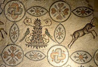 Obnovljen talni mozaik v oglejskem zvoniku