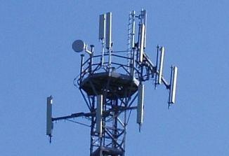 Proti novi anteni za mobilno telefonijo