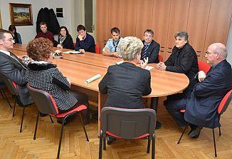 Msgr. Redaelli je obiskal Kulturni center Lojze Bratuž