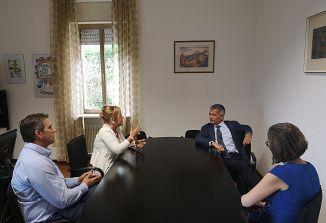 Goriški kvestor na obisku v Števerjanu