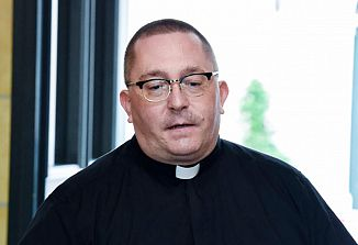 """""""Kljub hudim razmeram pri škofijski Karitas nismo ukinili nobene storitve in projekta"""""""