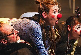 """""""Obračun"""" prisotnosti našega gledališča na spletu v času koronavirusa"""