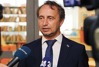 Nov rimski volilni zakon in Slovenci