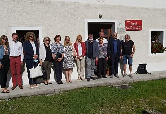 Ministrica Helena Jaklitsch na obisku pri Slovencih v videmski pokrajini