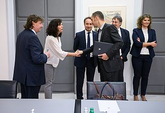 Zunanji minister Republike Slovenije dr. Anže Logar sprejel slovenske predstavnike