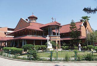 Gospod me tokrat nagovarja v nepalščini