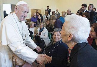 Papež je razglasil dan starih staršev in ostarelih