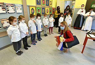Ministrica dr. Helena Jaklitsch na obisku v Barkovljah in Dolini