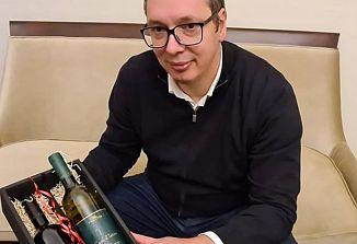Vučić prejel koprsko malvazijo