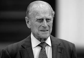 Umrl je britanski princ Filip