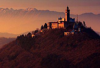 V ponedeljek se v Sloveniji odpirajo cerkve za bogoslužje z verniki