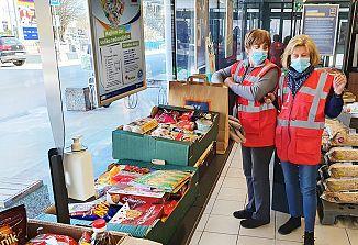 HOFERjevi kupci in Slovenska karitas v štirih dneh zbrali 15 ton izdelkov