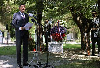 Pahor pod Lipo sprave posvojil izjavo SAZU o slovenski spravi