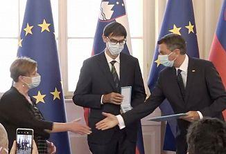 Predsednik Pahor je podelil državna odlikovanja STA-ju in radijskim oz. televizijskim programom na naši meji