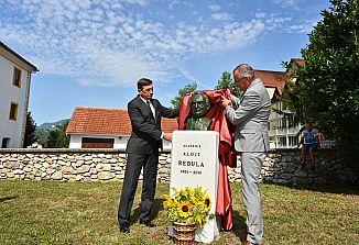 V Loki pri Zidanem mostu slovesno odkrili kip Alojzu Rebuli