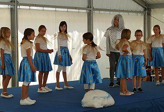 V ljubki izvedbi otrok je zasijala Zvezdica Zaspanka