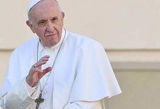 Papež Frančišek na Slovaškem duhovnikom in škofom naročil, naj bodo pridige jasne in kratke!