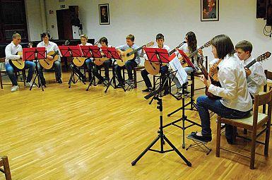 Tudi čezmejni večer mladih kitaristov