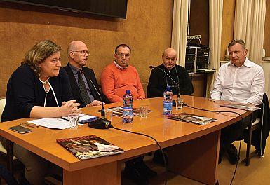 O pluralizmu v širšem slovenskem prostoru