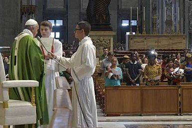 """Papež Frančišek: """"Za Boga ni nihče tujec!"""""""