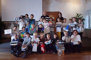 Tretješolci osnovne šole Petra Butkoviča iz Sovodenj so izdelali svoje camere obscure