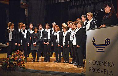 Pesem jeseni druži pevce 54 let