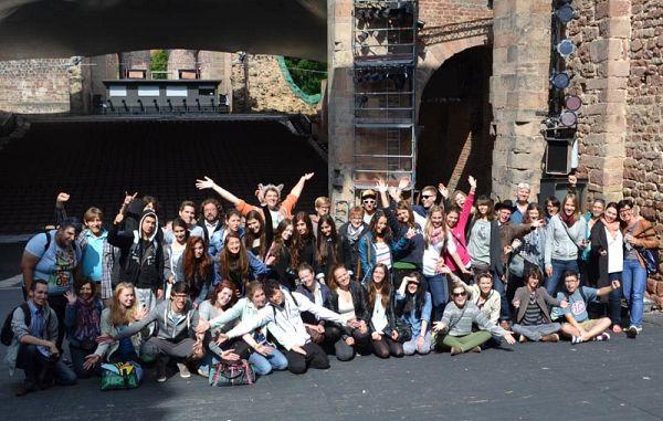 Dragocene izkušnje na Mladinskem gledališkem forumu