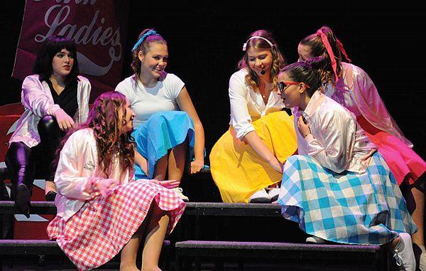 Radoživ nastop mladih pevcev, igralcev in plesalcev