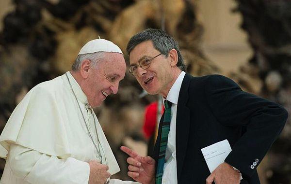 Prvi laik, prefekt vatikanskega dikasterija
