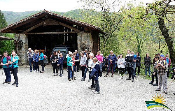 Slovenska pesem na pobočjih Idrske doline (2)