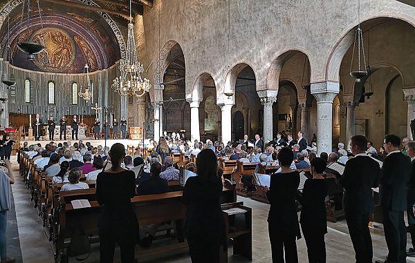 Vrhunsko glasbeno doživetje z Zborom Slovenske filharmonije