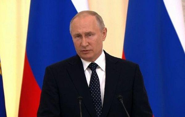 Putin bo 4. julija na obisku pri papežu Frančišku!