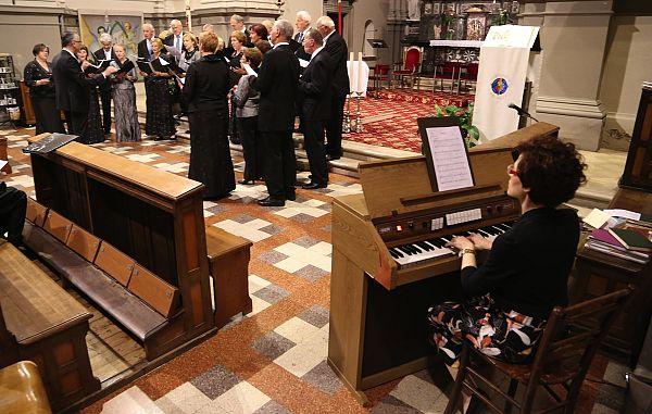 Štandrež / ZCPZ: Nova notna zbirka darovanjskih pesmi