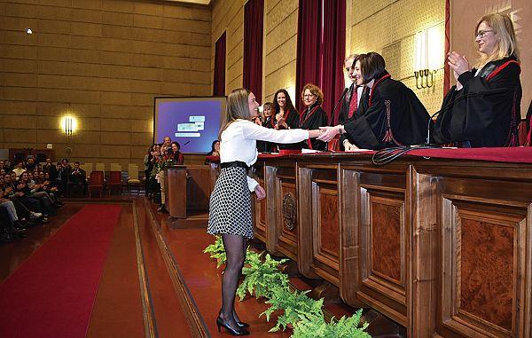 Iz logopedije je zelo uspešno diplomirala prva Slovenka