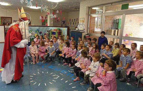 Otroci so zbrali darila za potrebne vrstnike