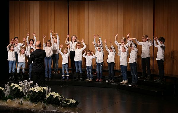 Mladi pevci izžarevajo veselje do petja